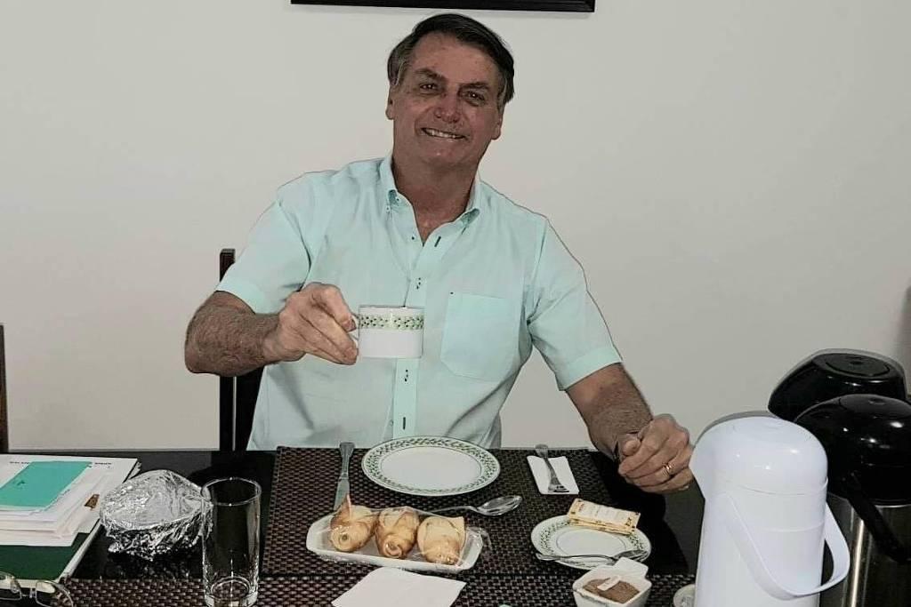 Você daria um pão amanhecido para Jair Bolsonaro?